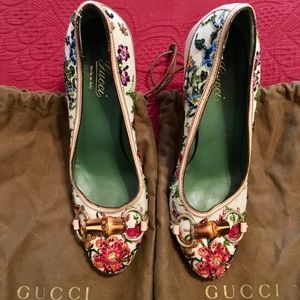 Vintage GUCCI Flora Beaded Pumps